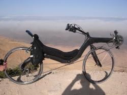 Met een M5 Carbon High Racer van Rome naar Mekka.